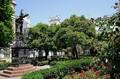 Santa Cruz square: 3 minutes walking from the holiday apartment